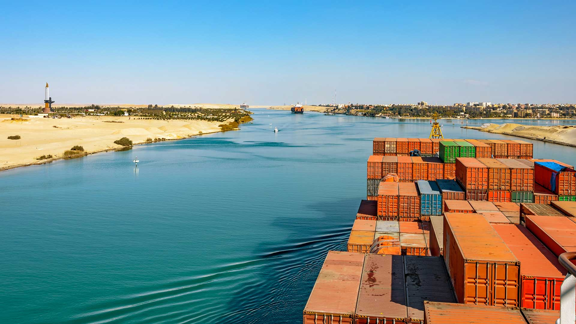 new-suez-canal-egypt-water-presentation-slider-bg-3